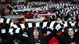 Айнтрахт – Челсі: німецькі вболівальники зробили масштабний перфоманс перед матчем – вражаюче відео
