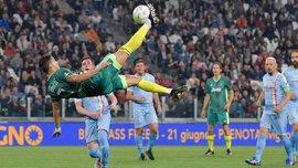Роналду принял участие в благотворительном матче звезд и повторил шедевральную бисиклету – на воротах снова стоял Буффон