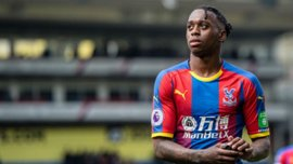 Манчестер Юнайтед получил отказ по трансферу Ван Биссаки – манкунианцы предлагали 50 млн фунтов