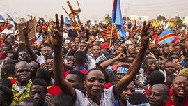 Вболівальники ДР Конго жорстоко побили міністра спорту через виліт національної команди з КАН-2019