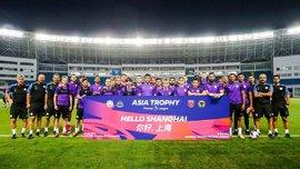 Манчестер Сити начал летнее турне в Китае – Зинченко раздает автографы местным фанатам и готовится к игре с Ярмоленко