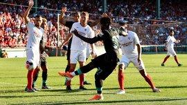 Удаление за брутальный фол и обилие голевых моментов в видеообзоре матча Севилья – Ливерпуль – 2:1