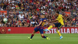 Шедевр Суареса и позорный автогол Мейтленд-Найлса в видеообзоре матча Барселона – Арсенал – 2:1