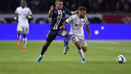 Лига 1: ПСЖ разгромил Тулузу благодаря дублю Шупо-Мотинга, Ним совершил камбэк в матче с Монако