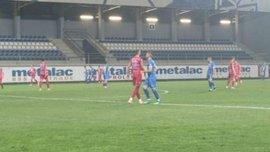 В Сербії гравець забив гол та спровокував масову сутичку, проігнорувавши фейр-плей – за ним гналися всі суперники