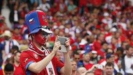 Чеські вболівальники планували політичну провокацію напередодні матчу проти Косова – їх зупинила поліція