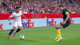 Рони Лопеш оставил в дураках сразу двух игроков АПОЭЛа – момент дня в Лиге Европы