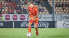 Неймовірний гол подвійним ударом через себе з чемпіонату Таїланду