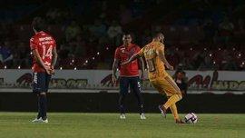 Игроки мексиканского Веракрус застыли на месте в знак протеста – соперник забил им дважды в это время