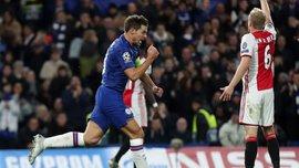 Шальная перестрелка с двумя удалениями и шедевром Зиеша в видеообзоре матча Челси – Аякс – 4:4