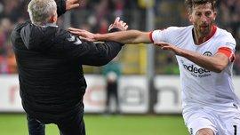 Капітан Айнтрахта, який збив з ніг тренера Фрайбурга, отримав сувору дискваліфікацію