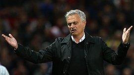 Моурінью отримав болючий удар від гравця Манчестер Юнайтед – курйозне відео дня