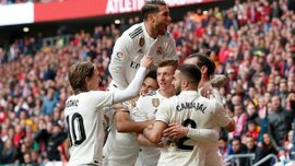 Футболісти Реала обмінялись подарунками на Різдвяній вечірці