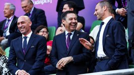 Бартомеу собрался жаловаться на арбитраж в матче Барселоны против Реал Сосьедада