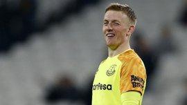 """Пікфорд за кілька секунд """"висушив"""" гальбу пива – голкіпер збірної Англії змусив шаленіти фанатів"""