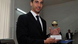 Мхитарян стал игроком года в Армении – это уже 9-награда экс-хавбека Шахтера