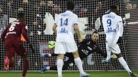 Лига 1: Лион в большинстве обыграл Метц, Ницца расписала результативную ничью с Брестом