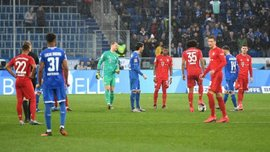 Пішохідний футбол без ударів – Баварія та Хоффенхайм оригінально покарали фанатів, які ледь не зірвали матч
