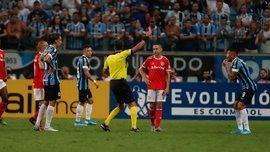 Греміо та Інтернасьйонал влаштували масову бійку у матчі Копа Лібертадорес – рефері роздав аж вісім червоних карток