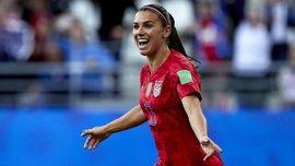 Самая красивая футболистка мира впервые стала мамой – трогательное фото