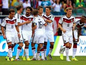 """Перший хет-трик на ЧС - розгромна перемога """"бундестім"""". Німеччина - Португалія - 4:0. ФОТО"""