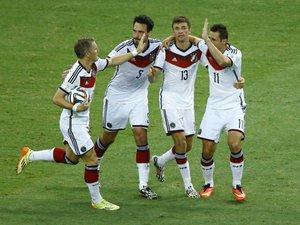 Клозе відбирає перемогу. Німеччина - Гана - 2:2