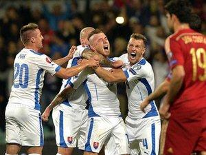 Словаки перемагають іспанців, а македонці не відстають від України. Відбір до ЄВРО-2016. ВІДЕО