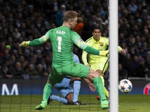 """Мессі не забиває пенальті - Агуеро дарує надію. """"Ман Сіті"""" - """"Барселона"""" - 1:2"""