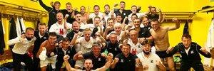 Колос феерично отпраздновал дебютную победу в Лиге Европы – видео из раздевалки