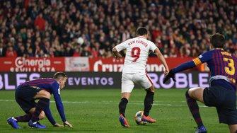 Севилья уверенно победила Барселону в первом четвертьфинале Кубка Испании