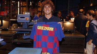 Барселона официально представила Гризманна – форвард выбрал игровой номер