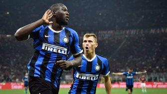 Интер эффектно обыграл Милан в дерби и вернул себе первое место
