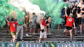 Традиція, олігархи та народне визнання: чому неонацизм на українських стадіонах залишиться непереможним?