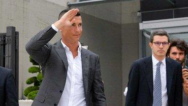 """Ювентус только за день продажи футболок Роналду """"отбил"""" половину стоимости трансфера Криштиану"""