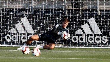 Лунин отправится в аренду в Сегунду, если Реал подпишет Куртуа
