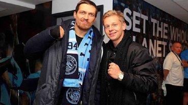Усик відвідав роздягальню Манчестер Сіті, щоб привітати гравців з перемогою над МЮ