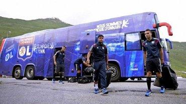 Шахтер – Лион: французская команда прилетела в Киев