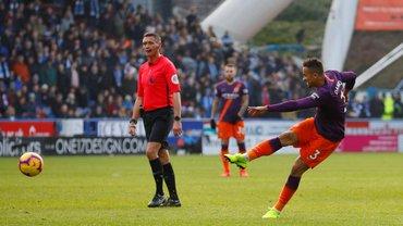 Манчестер Сити легко разгромил Хаддерсфилд: конкурент Зинченко указывает украинцу на дверь