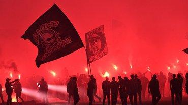 Фанати ПАОКа епічно святкували чемпіонство Греції – неймовірне файєр-шоу