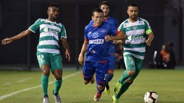 Парагвайський клуб вигнав гравця за жахливе виконання панєнки – через нього команда вилетіла з Копа Судамерікана