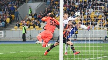 Динамо – Шахтер: Бойко отражает пенальти, но не дает надежду – триумф катастрофического футбола с привкусом скандала