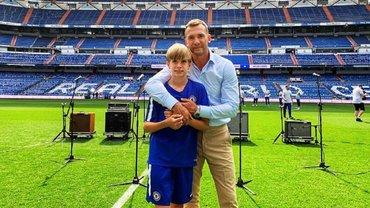 Перес тепло обійняв Шевченка та його сина перед матчем легенд Реал – Челсі