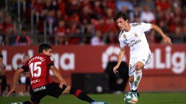 Ослабленный Реал сенсационно уступил Мальорке, оставив Барселону на вершине Примеры