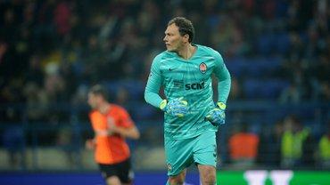 Пятов – об эпизоде с пенальти: На повторах видно, что я завалил игрока Динамо Загреб