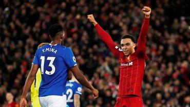 """Ливерпуль разгромил Эвертон в дерби: """"красные"""" забивают все, Мане – герой матча, но дифирамбы Энфилд поет другому"""