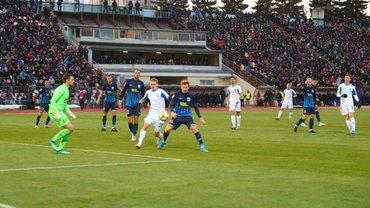 Десна – Динамо: гравці киян після матчу злякалися підходити до фанатів, побоюючись фізичної розправи