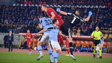 """Рома не дотиснула Лаціо у римському дербі – """"травмований"""" Фонсека перервав переможну серію Індзагі"""