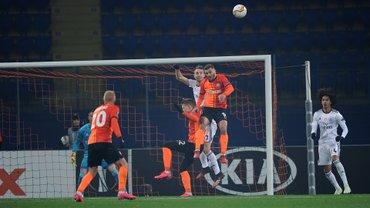 Шахтер – Бенфика: Патрик забивает, а VAR снова не засчитывает гол в матче 1/16 ЛЕ – удивительный пенальти