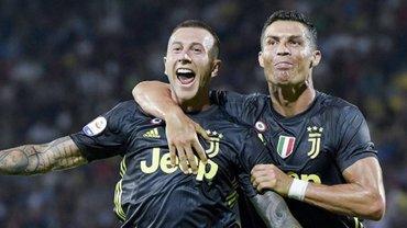 Барселона готова отдать двух своих игроков за звезду Ювентуса