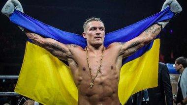 """Как футбольный мир отреагировал на победу Усика: """"Он одолел россиянина в самом сердце Москвы!"""""""
